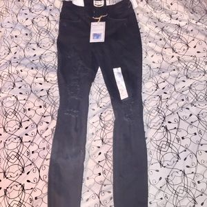 NWT Black Distressed Mid-Rise Skinny Ankle Jeans
